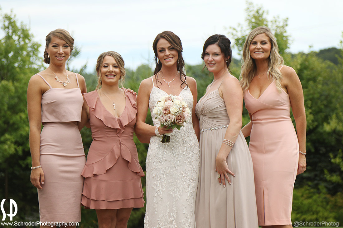 The ladies in the Bridal Party